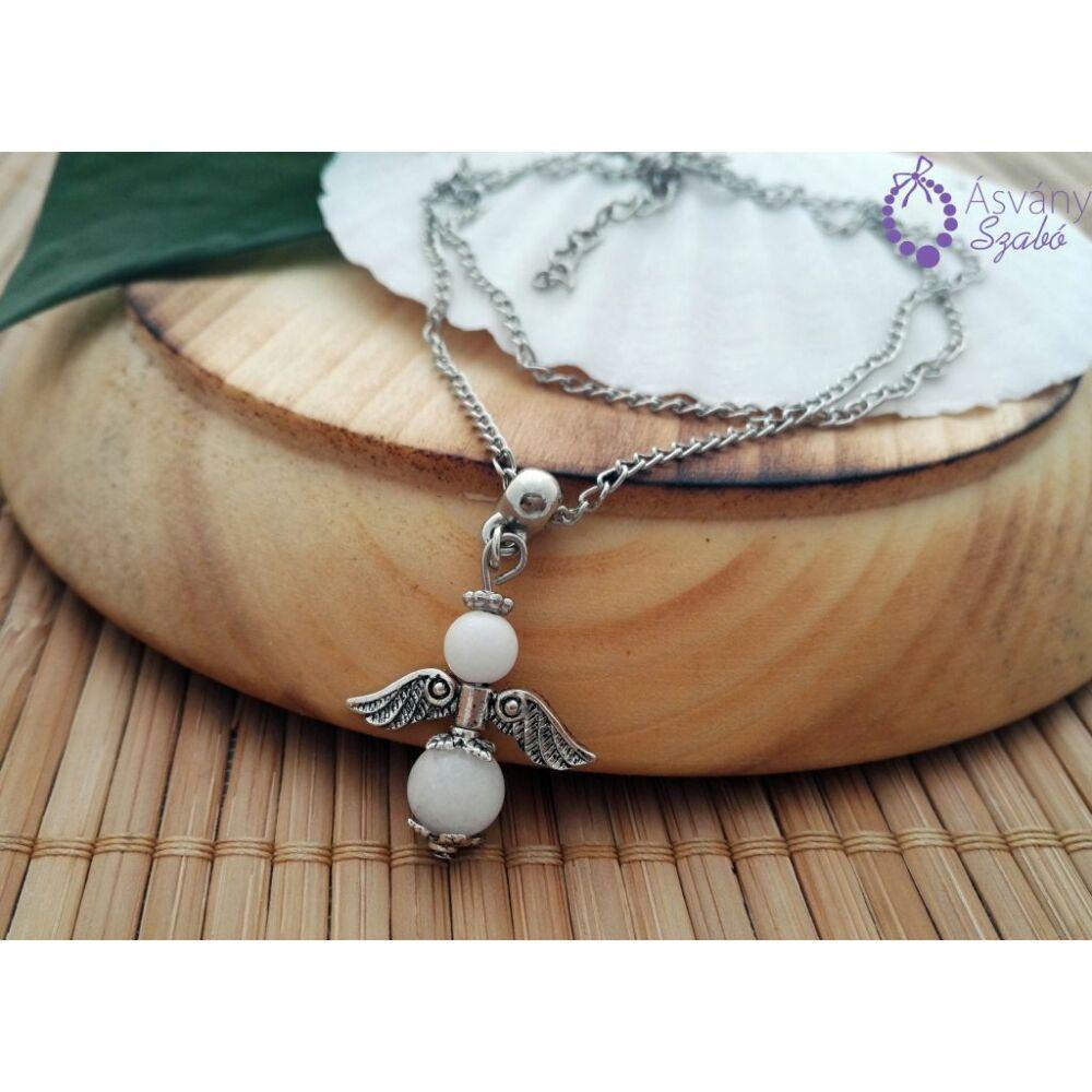 1479461564-feher-jade-angyal-medalos-nyaklanc.jpg